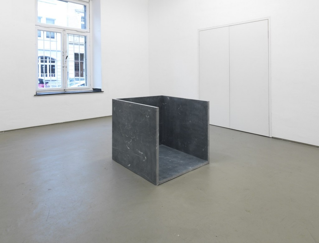 UNTITLED (PUFFO), 2014 MARBLE 80 X 80 X 80 CM